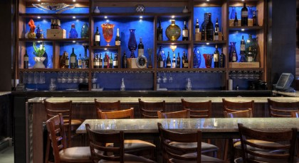 CarmelCafeWineBar TampaBay 420x230 Lounges & Night Clubs